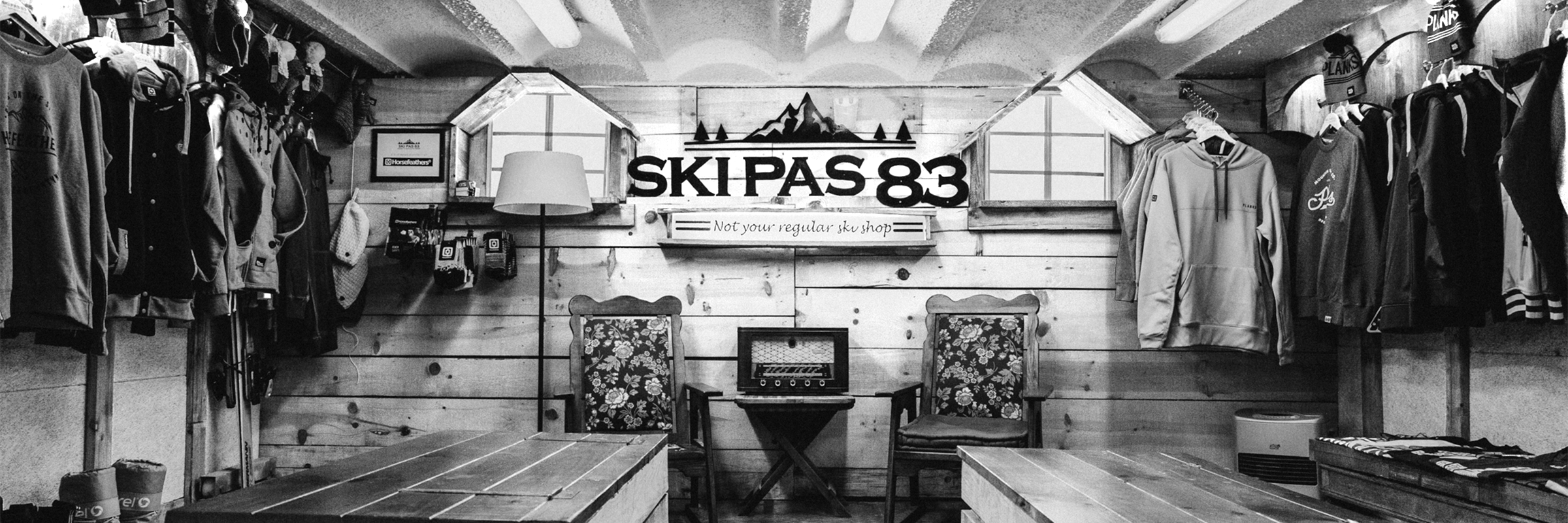 Ski Pas 83 Shop inside